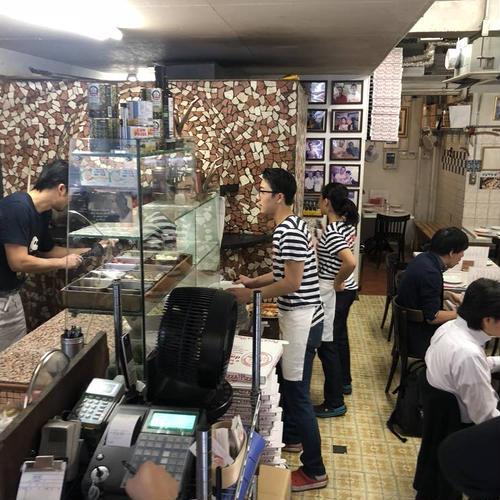ピッツエリア エ トラットリア ダ イーサ (Pizzeria e trattoria da ISA)