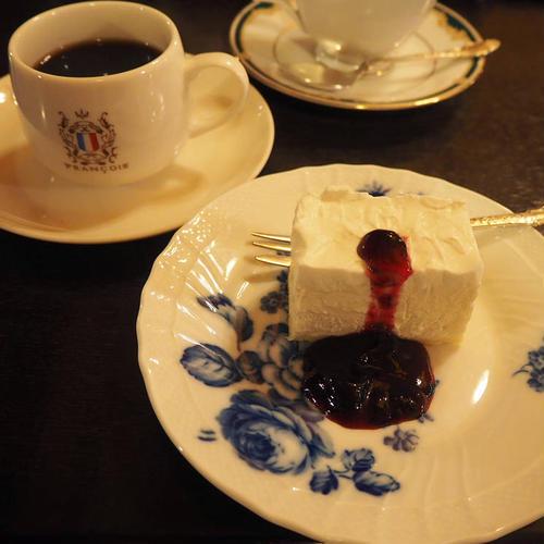 フランソア喫茶室 (Salon de the FRANCOIS)