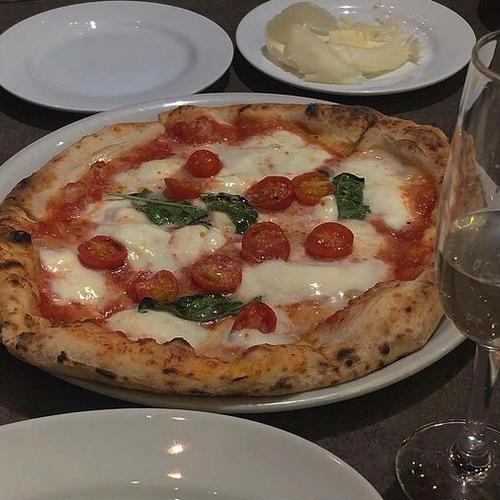 LOGIC横浜 Trattoria Pizzeria