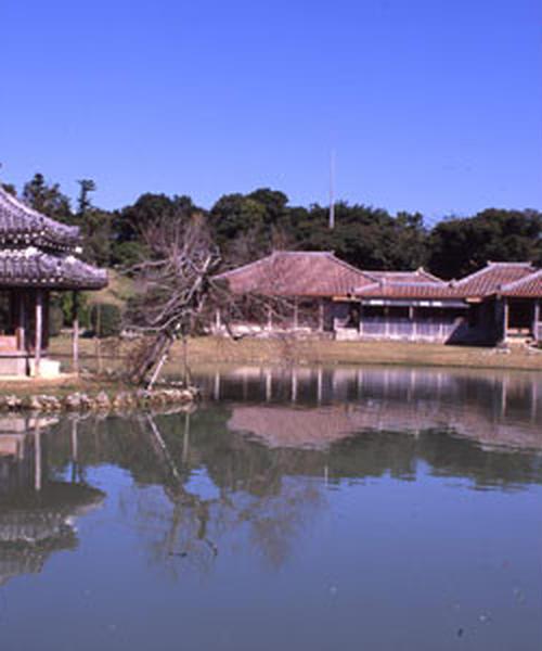 冬の沖縄を楽しもう!琉球ロマン・歴史探訪コース