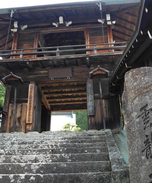 飛騨高山の寺町をぐるりと巡る徒歩の旅