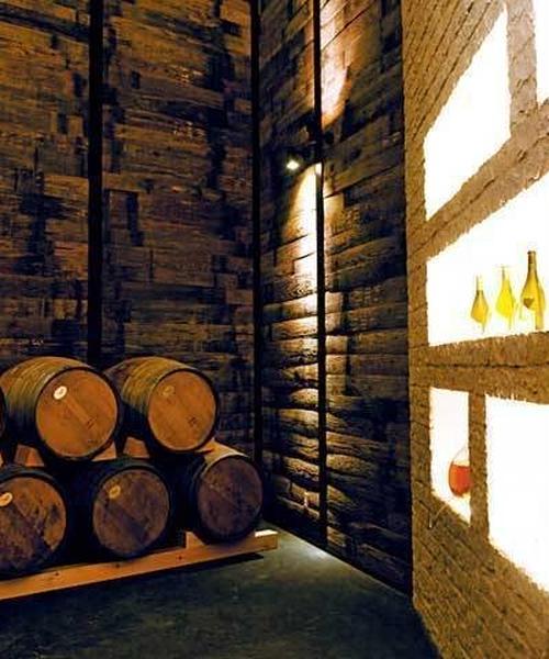 昼間からワイン三昧♪ワイナリーのあとはワイン食堂へ