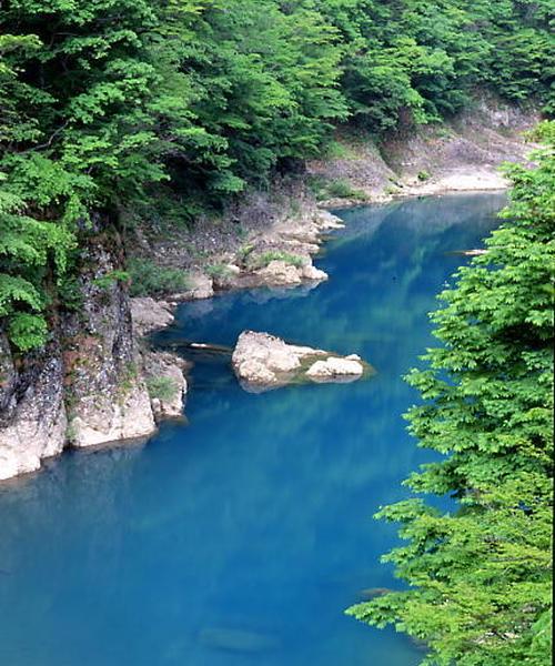 秋田の秘境、抱きかえり渓谷と小京都、角館の武家屋敷をめぐるいいとこどりっぷな旅 :)