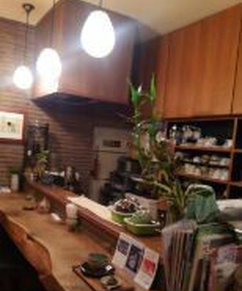 ほっこりと和みながら日本茶が飲める店