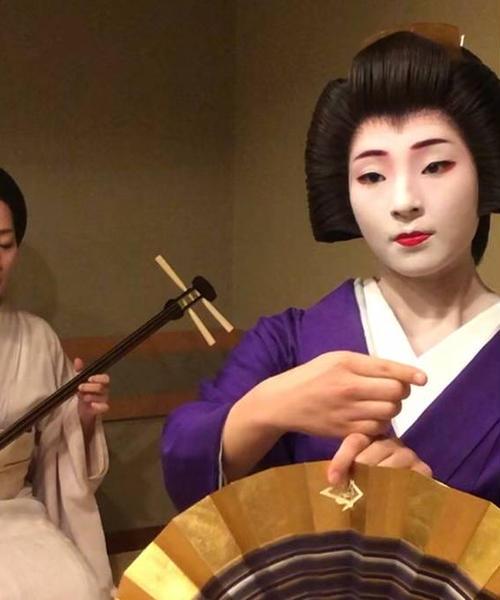 ゆったりと祇園を歩く大人旅