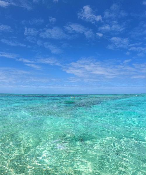 沖縄泊港から日帰りで行ける!美しい海に癒されるナガンヌ島