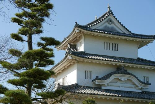 丸亀城と丸亀定番グルメ、第62番から始める四国巡礼の旅