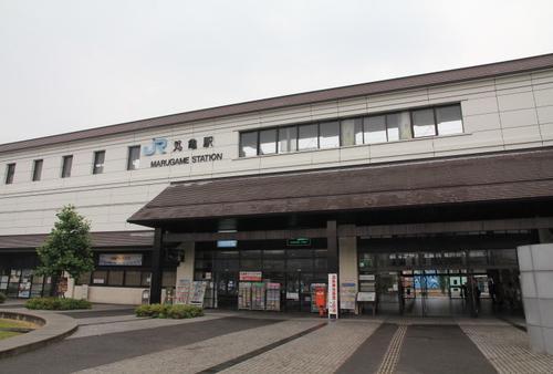 二人で歩くいつもとちがう街、香川県、丸亀と高松