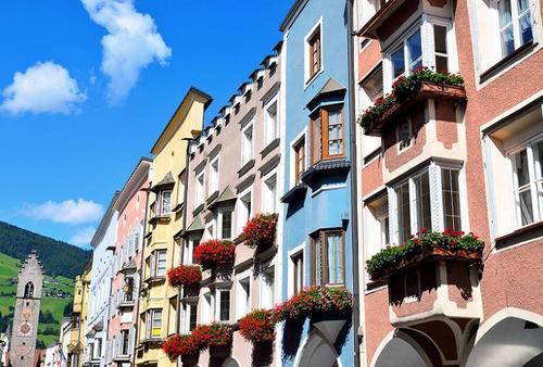 【イタリア穴場観光】国境近くの街で中世の雰囲気を感じよう