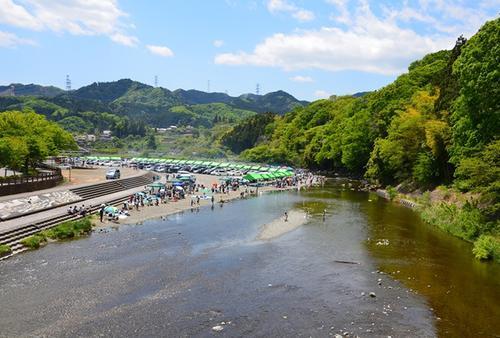 秋川でバーベキューをしながら自然に癒されよう!