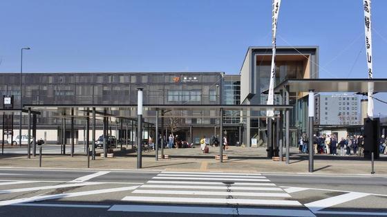 リニューアルした高山駅