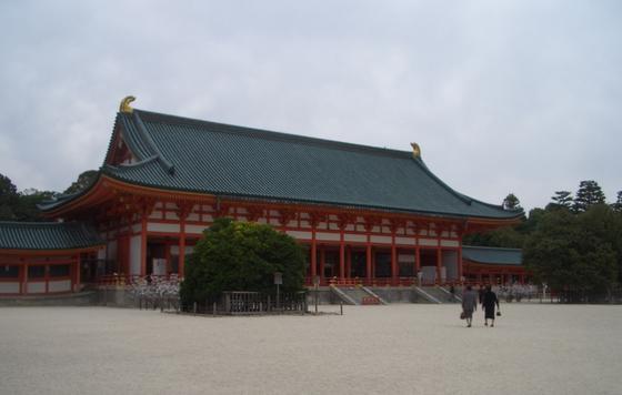 平安神宮内を散策