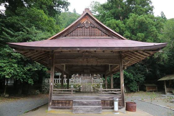 Sacred dance hall (maiden)