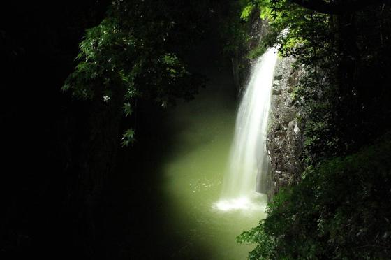 真名井の滝のライトアップ