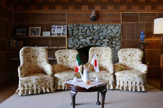 リビングの椅子