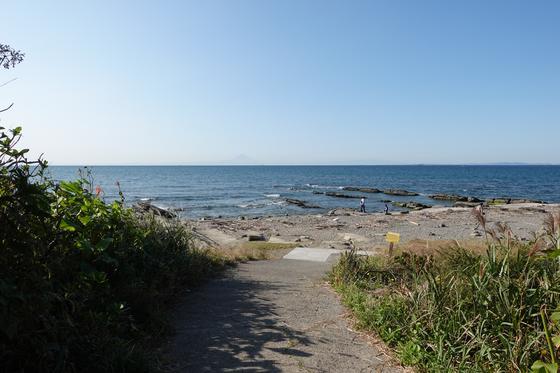 島の奥にも海水浴場