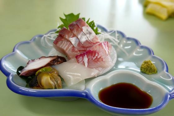 刺し身も煮魚も美味しい