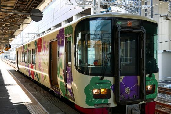 次の列車は富山方面泊行き