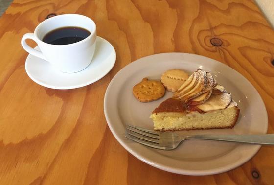 コーヒーとケーキとクッキーと
