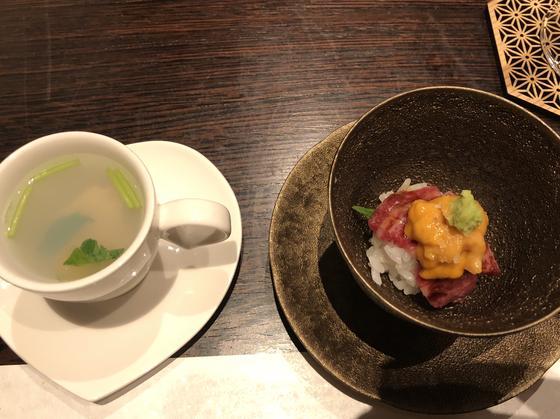 蛤の吸い物 と ウニと牛肉の寿司