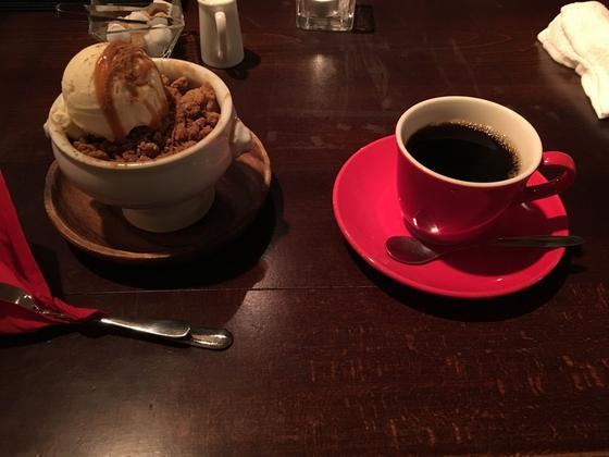 ホットアップルクランブルとホットコーヒー