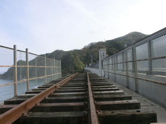 空の駅と線路