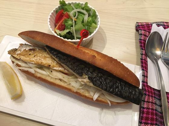 サバサンド+サラダ ¥850
