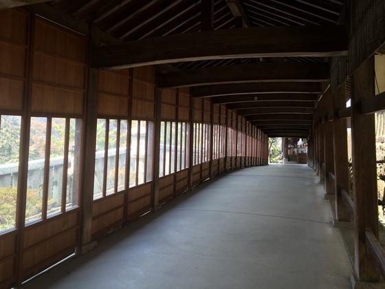 長い長い回廊