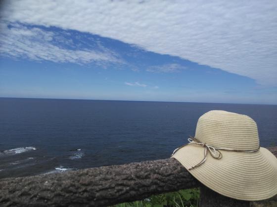 Blue Sky.Blue Ocean