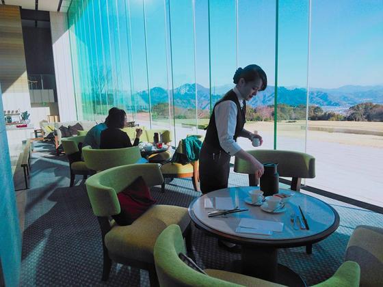 富士山を眺めながらの朝食