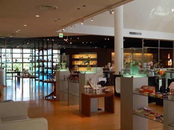 北欧ガラスにヴェネチアングラス...世界の優美な作品が見られますよ