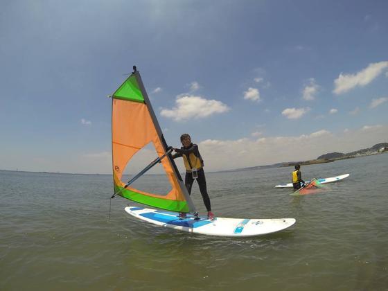 ウィンドサーフィン体験中