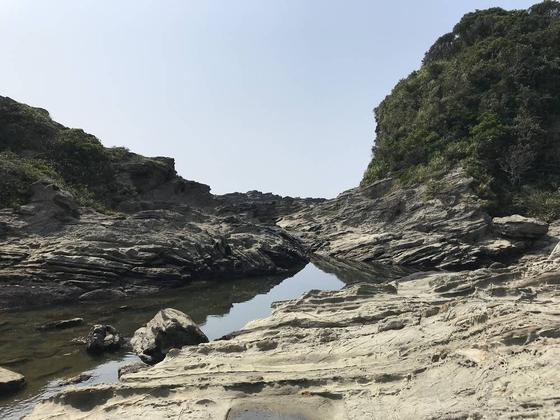 三浦岩礁の道は長い