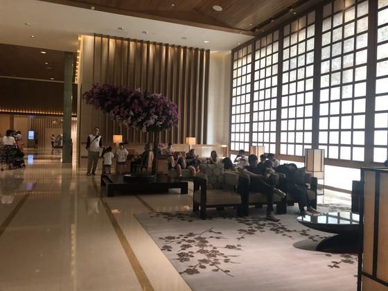 ホテルオークラロビー