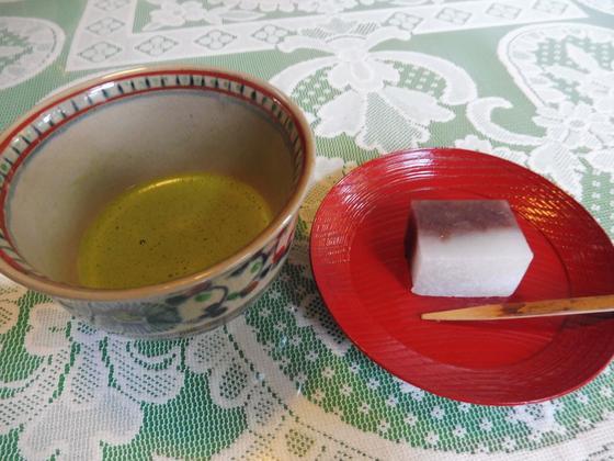 お抹茶とお菓子