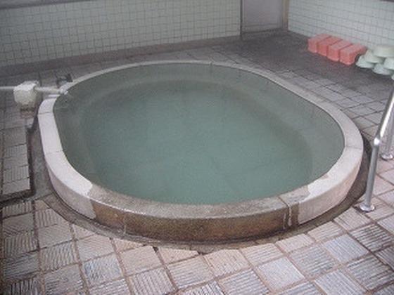 楕円形の湯船