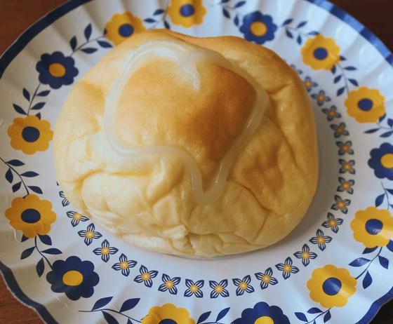 カルピス味?の菓子パン