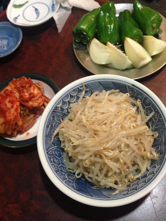 オモニ特製 キムチとナムルに野菜たち
