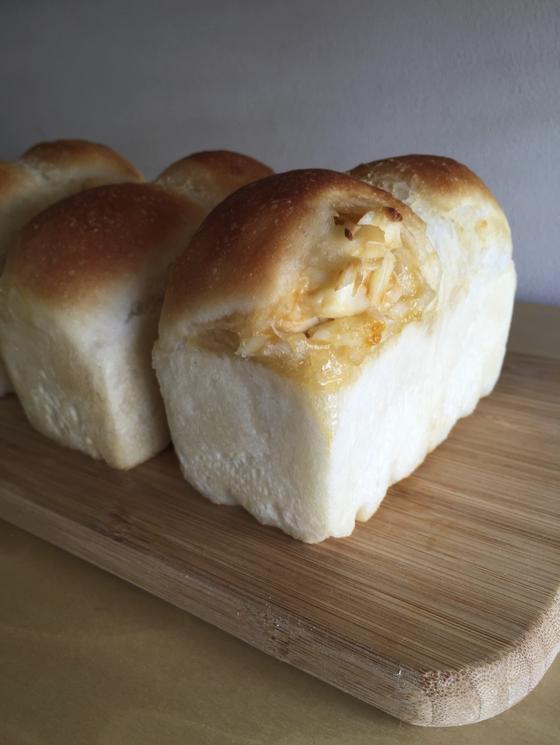 シンボルパン:クリームパン