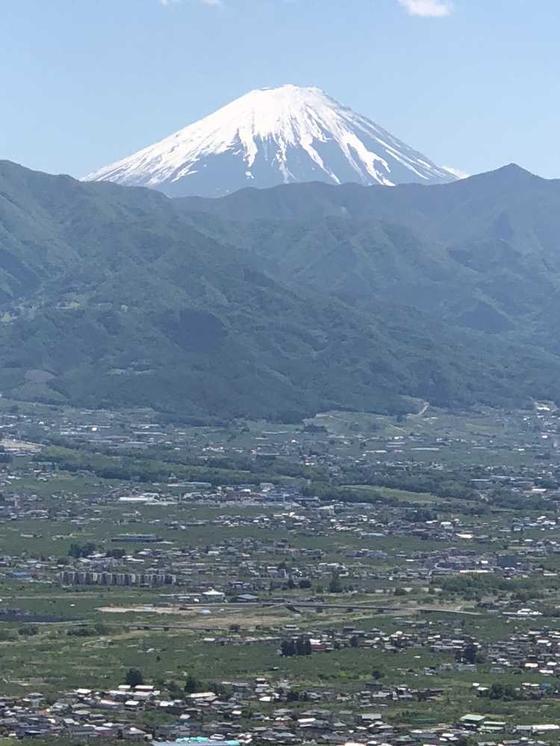 昨日と打って変わって、凛々しい富士山。