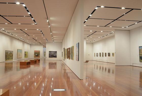 同じビル内には美術館も