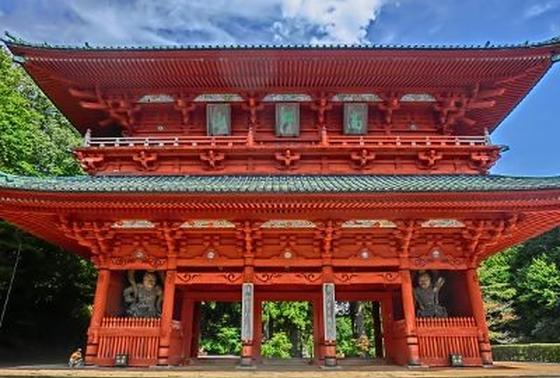 高野の山入り口「大門」