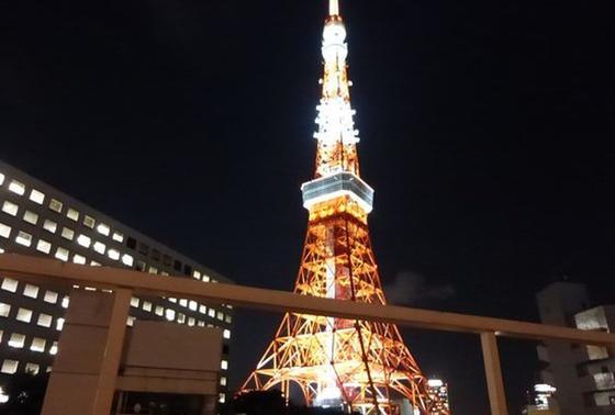テラス席は東京タワーが目の前!