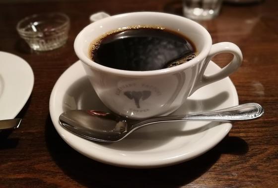 おすすめは濃いめのスペシャリティコーヒー!!