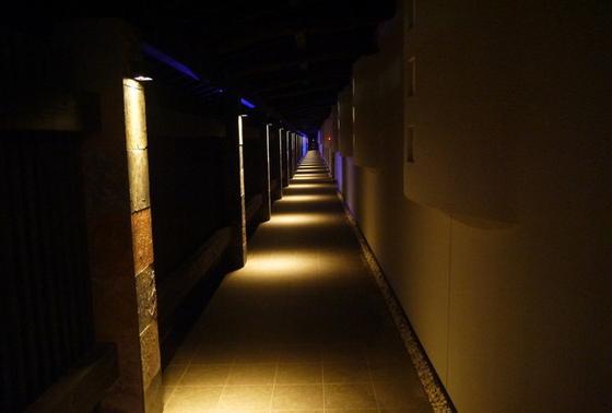 各部屋の入口の廊下