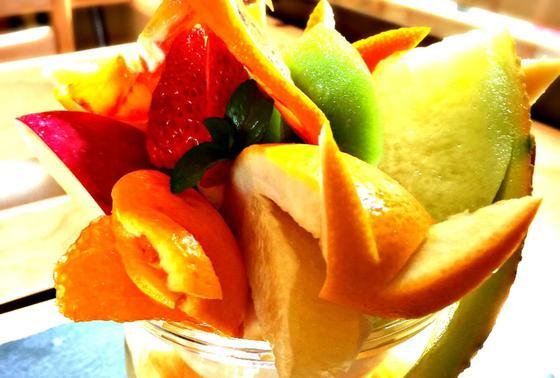 珍しいフルーツも!