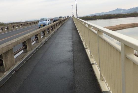 ←こちらが神立橋