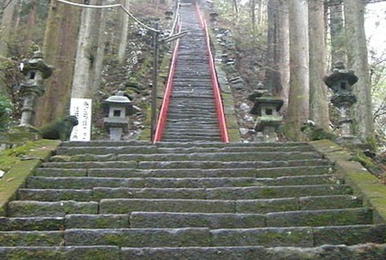 本殿までの階段