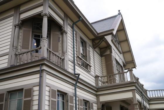 木造2階建ての洋館