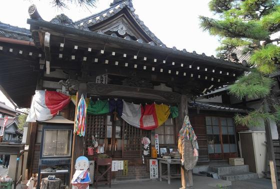 弘法堂は正面本堂の左側